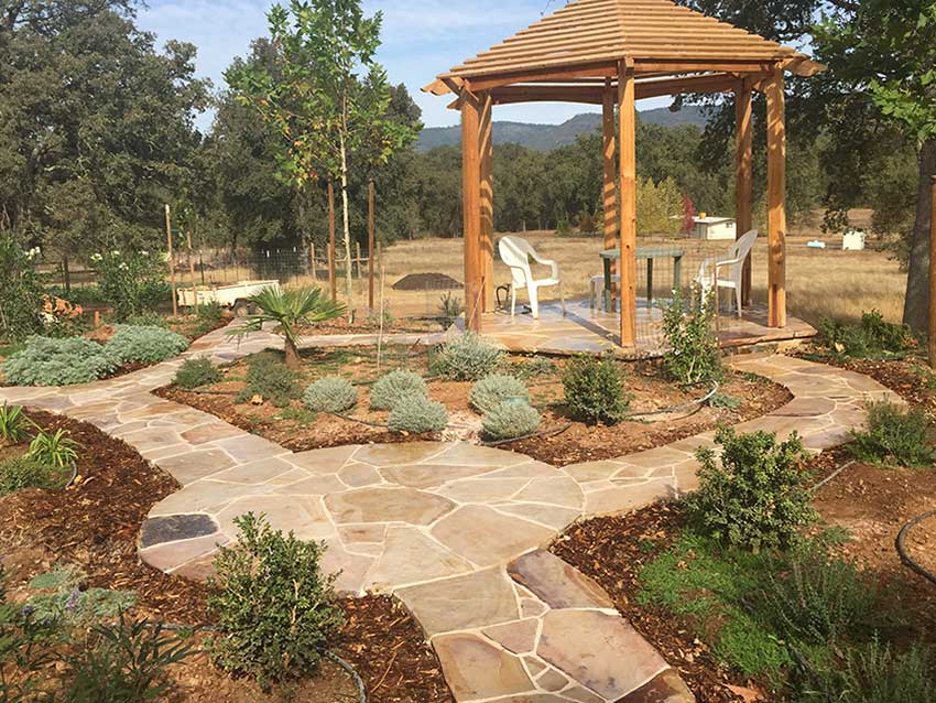 Landscaping with Flagstone Patio and Paths